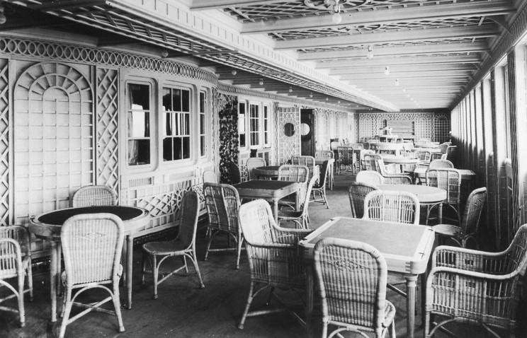 Huyền Thoại Tàu Titanic - Phần 3 Titanic_cafe_parisien